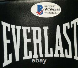 FLOYD MAYWEATHER JR. Signed Autographed EVERLAST BOXING Glove. BECKETT WITNESSED