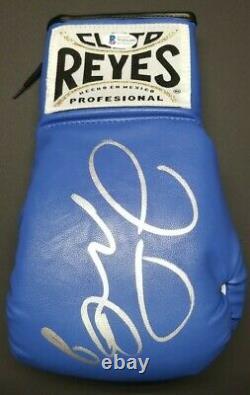 FLOYD MAYWEATHER JR. Signed CLETO REYES Boxing Glove blue. BECKETT WITNESSED