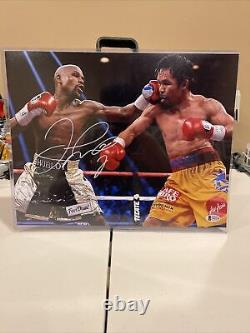 Floyd Mayweather Autographed/Signed 11X14 vs Pacquiao Photo- Beckett Certified