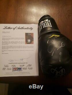 Floyd Mayweather & Manny Pacquiao autograph glove. ONLY ONE ON EBAY (Psa/dna)