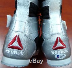 Floyd Mayweather Jr. Autographed Reebok Chaussures De Boxe D'argent Beckett 121801