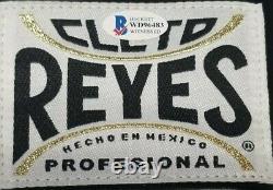 Floyd Mayweather Jr. Autographié Cleto Reyes Gant De Boxe. Beckett Témoin