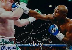 Floyd Mayweather Vs Autographié 16x20 Canelo Alvarez Photo- Beckett Auth Argent
